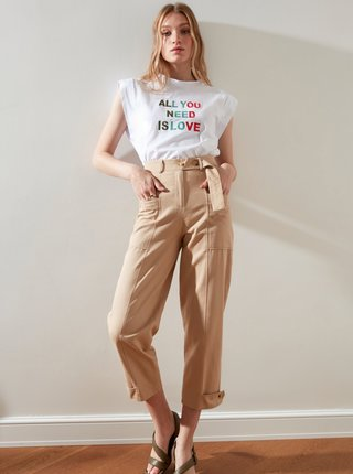 Béžové dámske skrátené nohavice s vreckami Trendyol