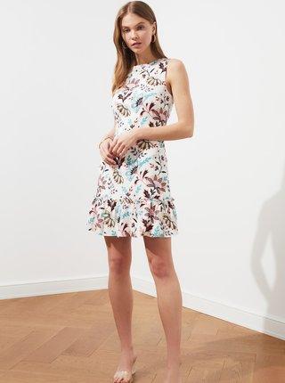 Bílé květované šaty Trendyol