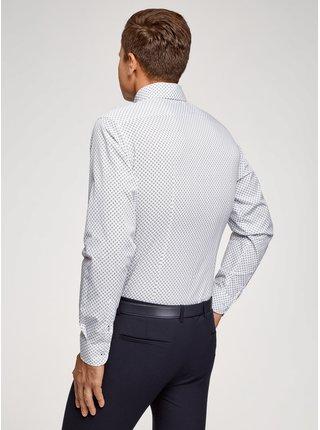 Košeľa so vzorom vypasovaná OODJI
