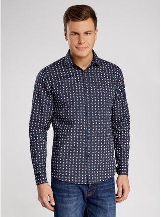 Košile vypasovaná s vánočním vzorem OODJI