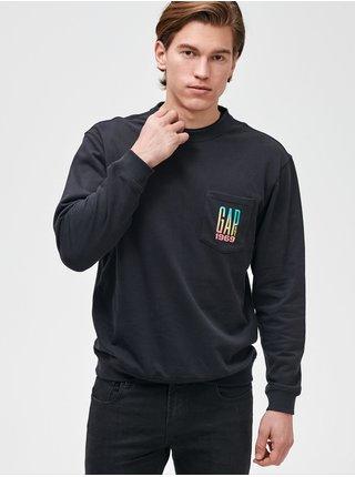 Mikina GAP Logo pocket crewneck sweatshirt Čierna