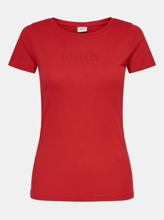 Červené tričko s nápisom Jacqueline de Yong Chicago