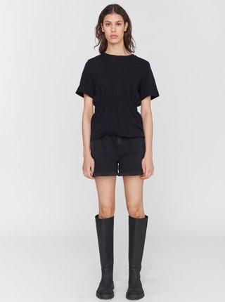Čierne tričko s riasením v páse Noisy May Palmer