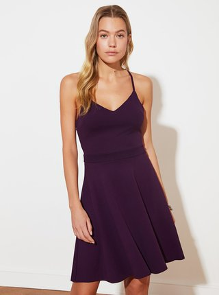 Fialové šaty s pásmi na chrbte Trendyol