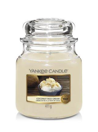 Yankee Candle vonná svíčka Coconut Rice Cream Classic střední