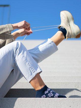 Tmavomodré vzorované nízke ponožky Fusakle Modrotisk