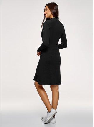 Šaty s dlhým rukávom a sukňou do zvonu OODJI