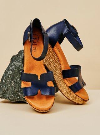 Tmavomodré kožené sandálky na plnom podpätku OJJU