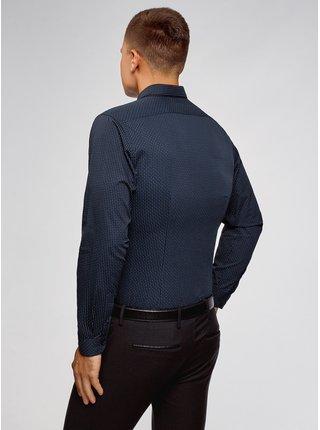 Košeľa vypasovaná s drobným vzorom OODJI