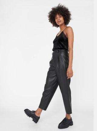 Černé zkrácené koženkové kalhoty Noisy May-Chika