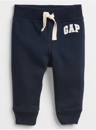 Modré klučičí baby tepláky GAP Logo pull-on joggers