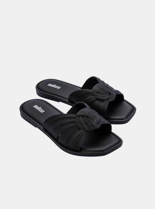 Černé pantofle Melissa