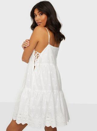 Biele šaty s madeirou Noisy May Jackie