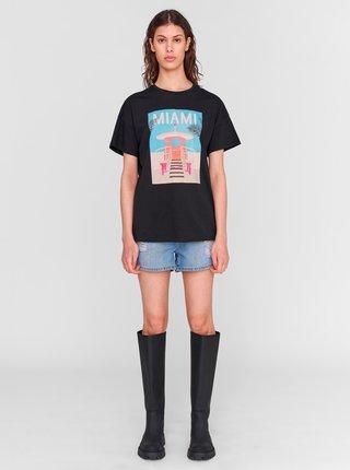 Čierne tričko s potlačou Noisy May Wendy