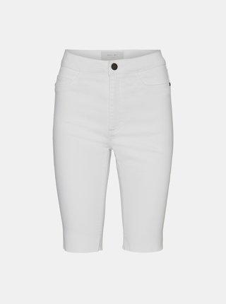 Bílé džínové skinny fit kraťasy Noisy May Callie