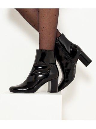 Černé lesklé kotníkové boty na vysokém podpatku CAMAIEU