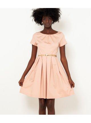 Světle růžové šaty s páskem