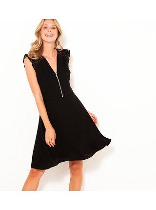 Černé dámské šaty s krajkou na zádech CAMAIEU