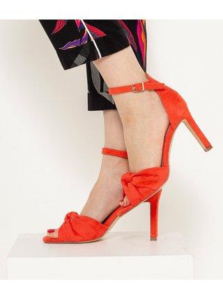 Červené sandále v semišové ůpravě CAMAIEU