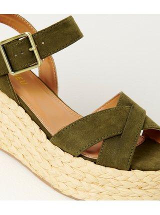 Zelené sandále na platformě v semišové úpravě CAMAIEU