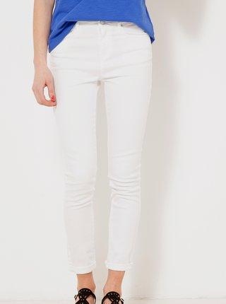 Bílé zkrácené slim fit kalhoty CAMAIEU
