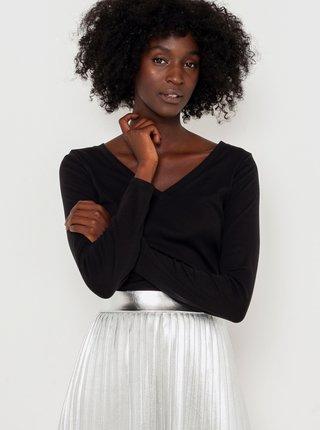 Čierne basic tričko s véčkovým výstrihom CAMAIEU