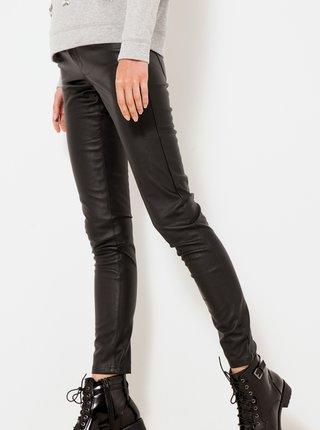 Čierne koženkové skinny fit nohavice CAMAIEU