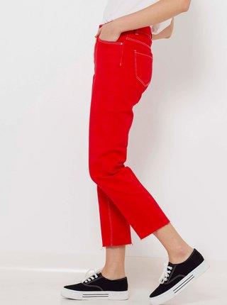 Červené zkrácené džíny s vysokým pasem CAMAIEU