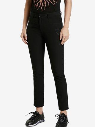 Černé dámské slim fit zkrácené džíny Desigual Coruňa
