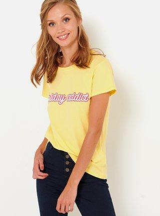 Žluté tričko s nápisem CAMAIEU