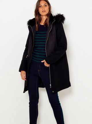 Čierna predĺžená bunda s kapucou a umelým kožúškom CAMAIEU