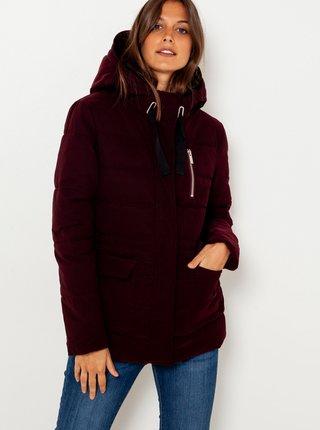 Vínová prošívaná bunda s kapucí CAMAIEU