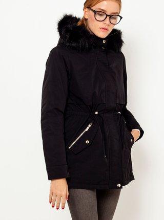 Čierna bunda s kapucou a umelým kožúškom CAMAIEU