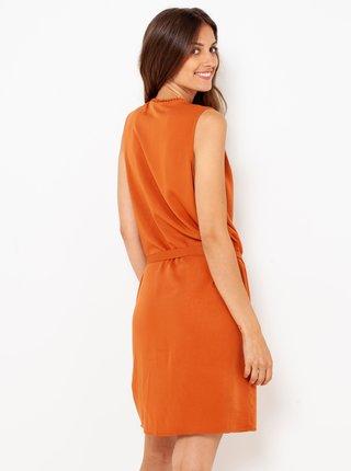 Oranžové šaty s páskem CAMAIEU