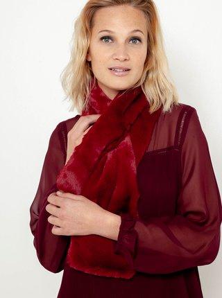 Červená šála z umělého kožíšku CAMAIEU