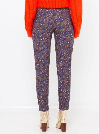 Fialové kvetované skrátené nohavice CAMAIEU