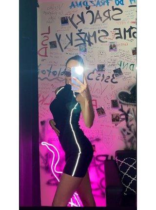 Černé pouzdrové dámské šaty s reflexními pruhy  PIPING REFLECTIVE WITH DRESS