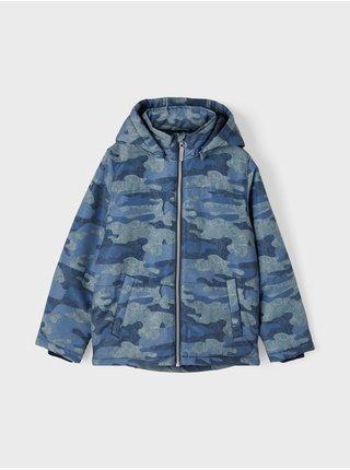 Modrá klučičí vzorovaná zimní bunda name it