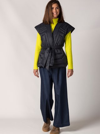 Černá prošívaná vesta se zavazováním SKFK Iraide