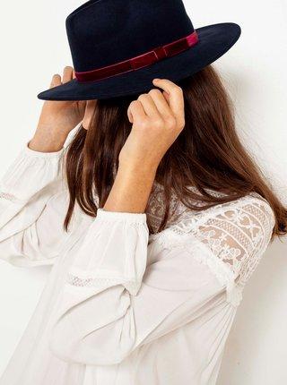 Černý vlněný klobouk se stuhou CAMAIEU