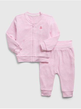 Růžová holčičí souprava snit