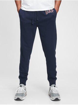 Modré pánské tepláky GAP Logo arch joggers