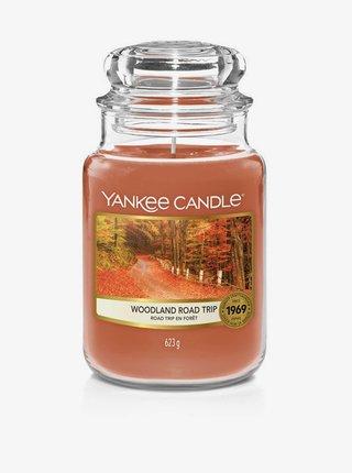 Vonná sviečka Yankee Candle Woodland Road Trip (classic veľká)