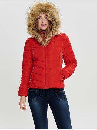 Červená prošívaná bunda s umělým kožíškem ONLY Newellan