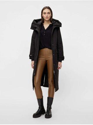 Černý kabát s kapucí .OBJECT Katie