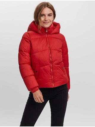 Červená dámská prošívaná zimní bunda s kapucí VERO MODA Uppsala