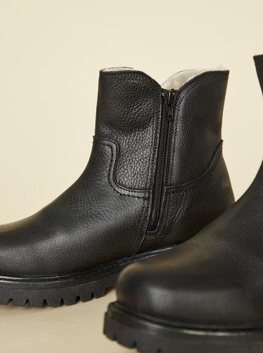 Černé dámské kožené zimní boty OJJU