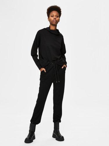 Čierne tepláky Selected Femme Adora