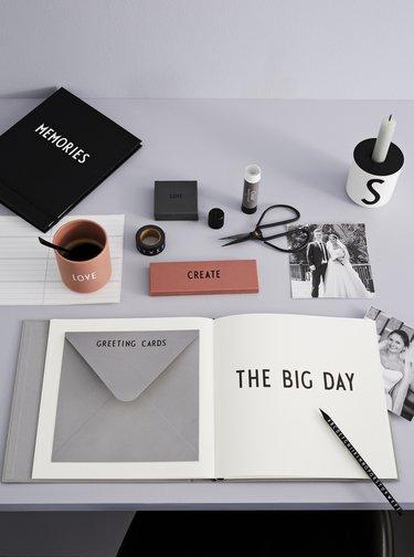 Šedý svadobný plánovač Design Letters