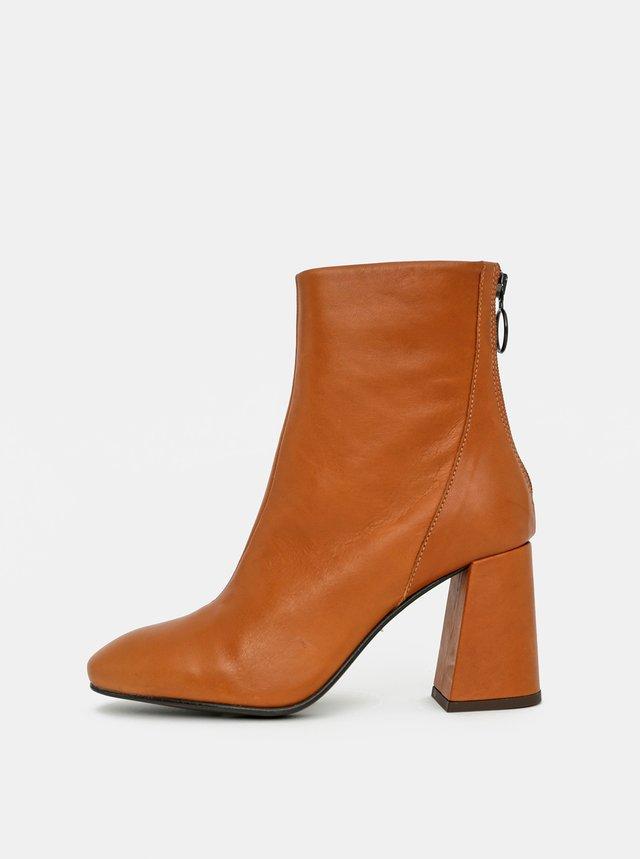 Hnedé kožené členkové topánky VERO MODA Cilla